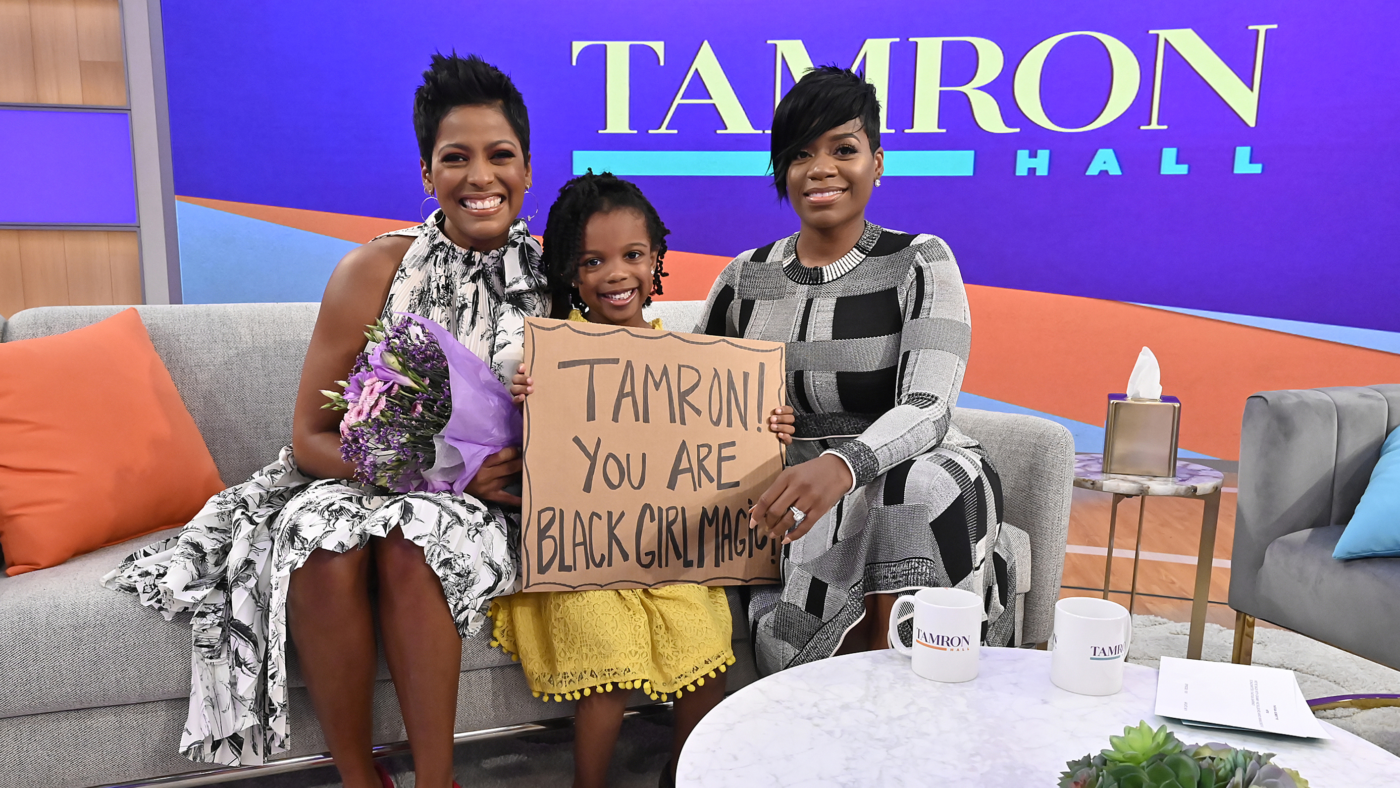 """On the premiere episode, Tamron met her """"Black Girl Magic"""" fan and Fantasia performed the """"Tamron Hall"""" theme song, """"SHINE."""" (Walt Disney Television/Jeff Neira)"""