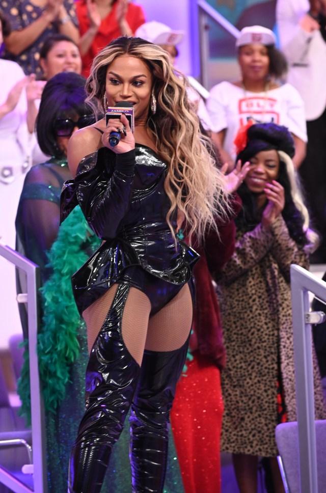 Miss Shalae impersonates Beyoncé