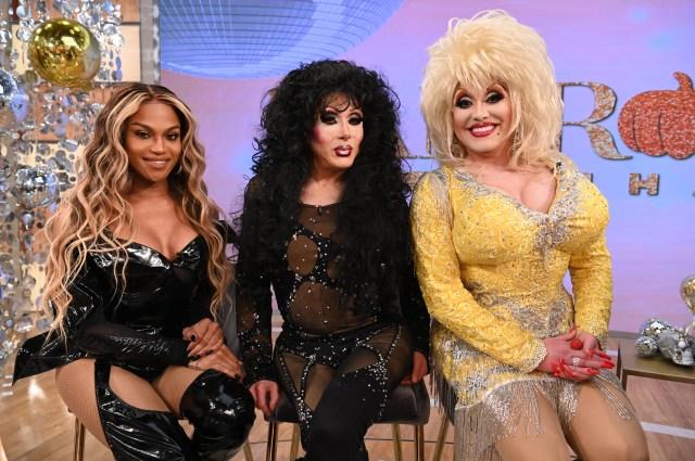 Beyoncé, Cher, and Dolly Parton Impersonators