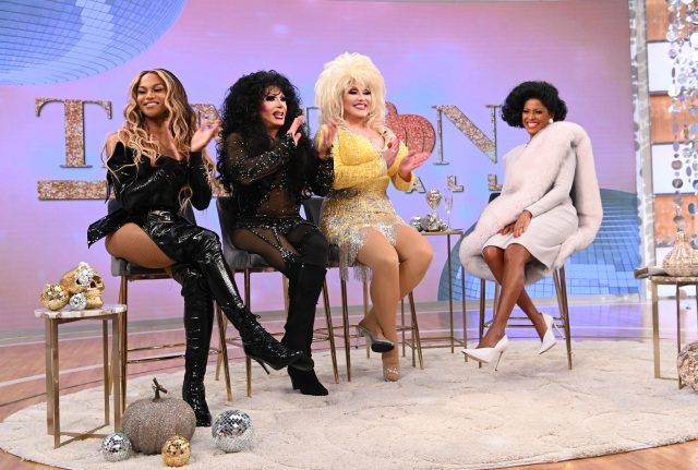 Tamron with Dolly Parton, Cher, and Beyoncé Impersonators